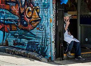Urban_Phone-Graffiti_300.jpg