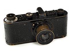 Leica_1923_sm.jpg
