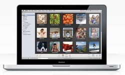iPhoto_'09_mit_MacBook.jpg