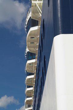 cruise-ship-2.jpg